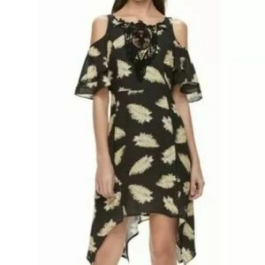 Disney Sz M Cold Shoulder Dress Black Feather